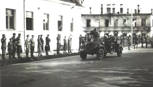 August 1942. Parade