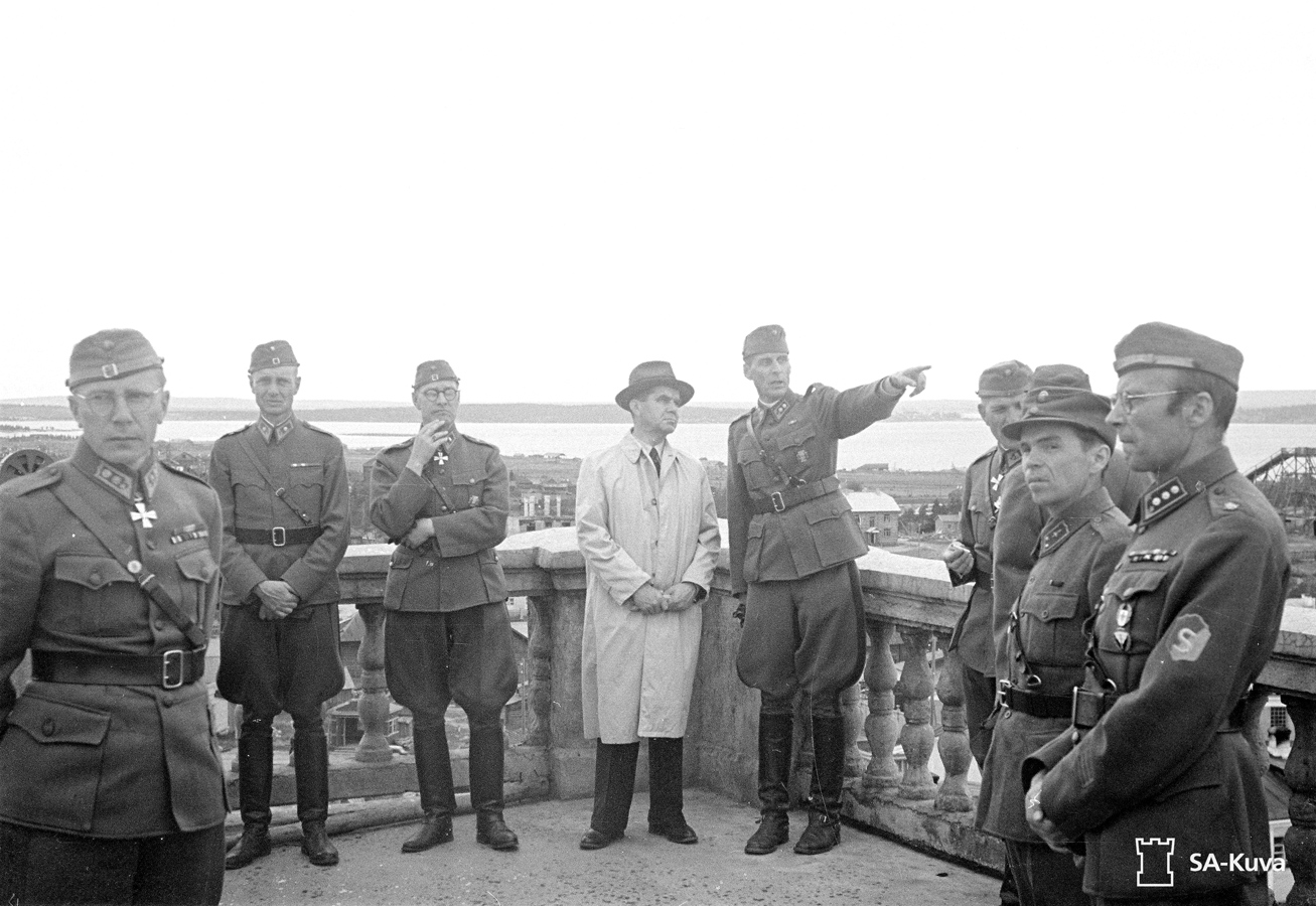 July 1942. Prime minister Johann Wilhelm Rangell on university survey platform