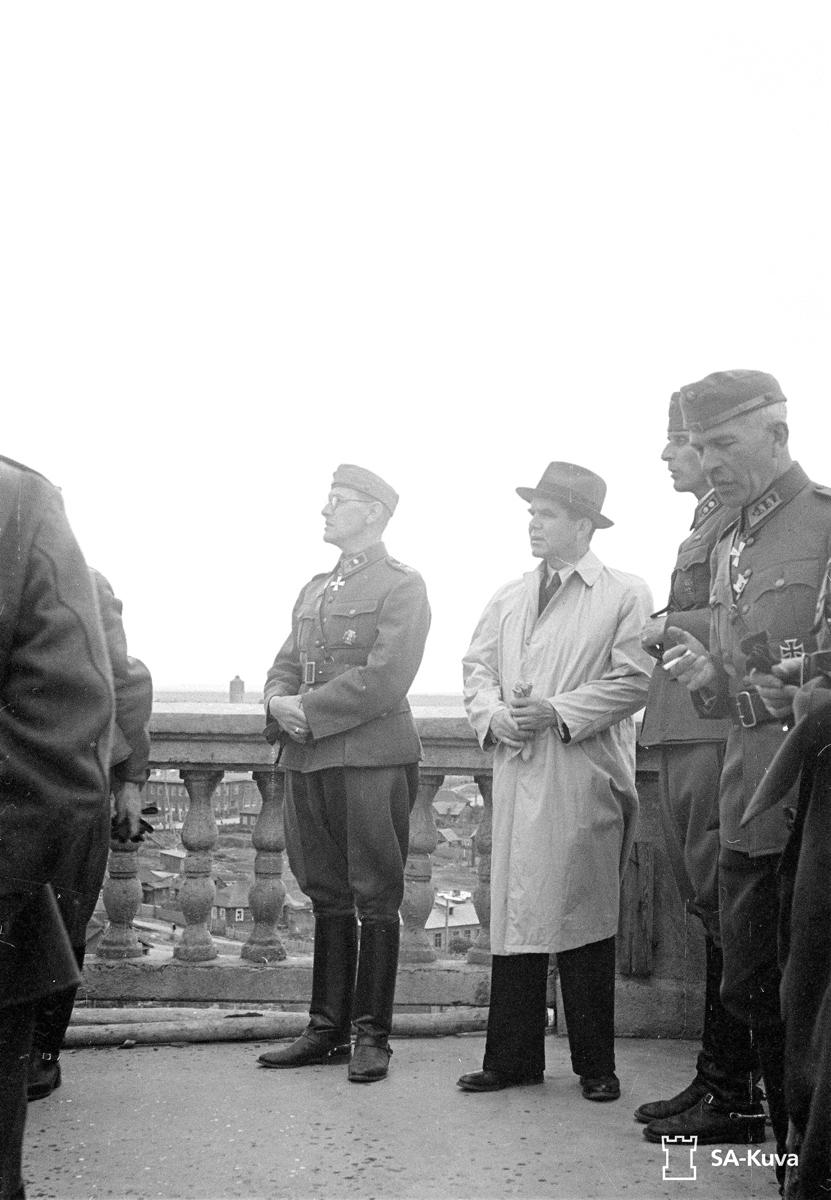 July 13, 1942. Prime minister Johann Wilhelm Rangell on university survey platform