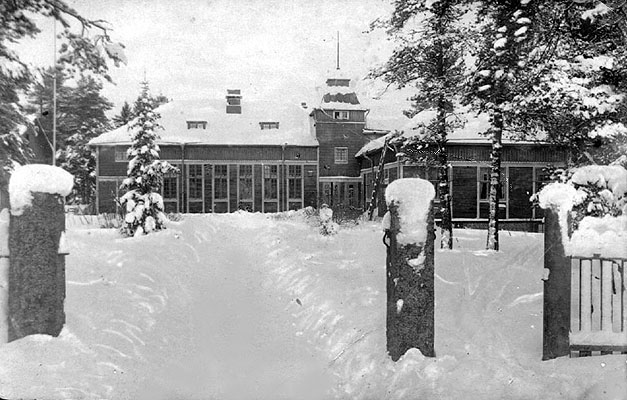 Mid 1920's. Dining-hall in the Kanneljärvi Popular School