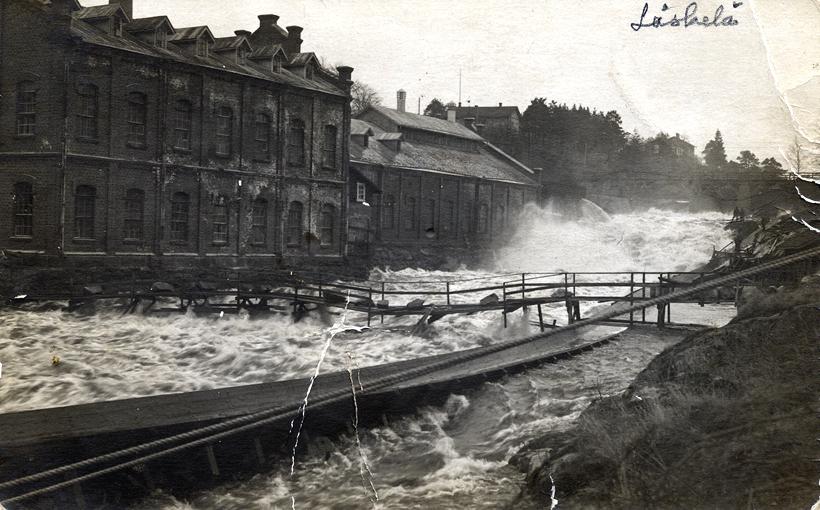 Late 1920's. Läskelä. Paper mill
