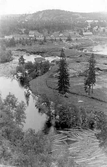 1950's. Medvezhegorsk. Kumsa River