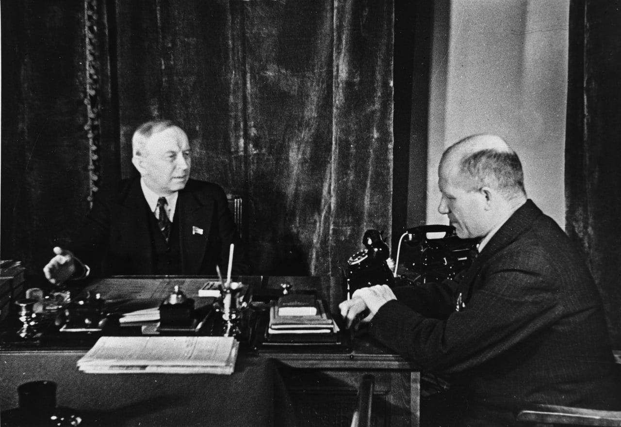 1940. Chairman of the Presidium of the Supreme Soviet of the Karelian-Finnish SSR O.W.Kuusinen and camrade T.I.Antikainen
