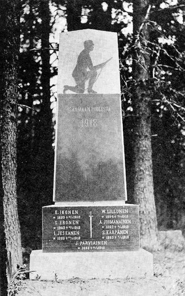 1930's. Kirkonkylä. The grave of the heroes of 1918