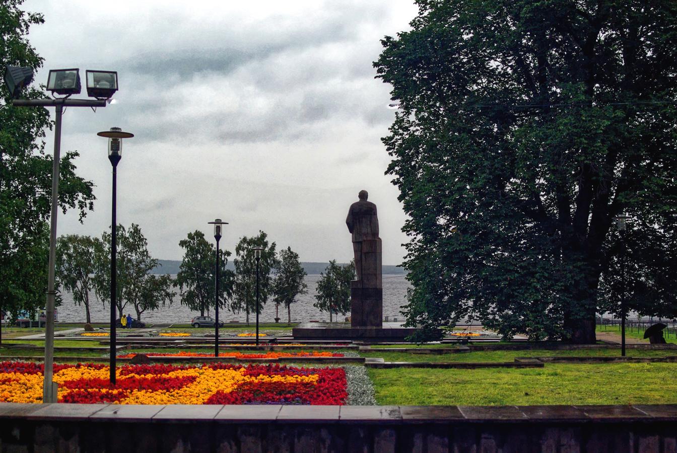 4 августа 2019 года. Памятник Куусинену в Петрозаводске