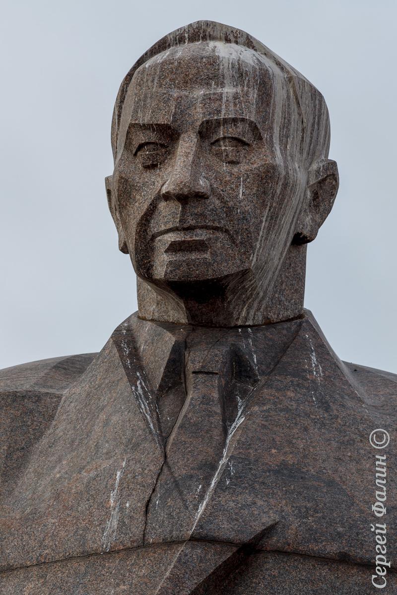 Конец 2010-х годов. Памятник Куусинену в Петрозаводске