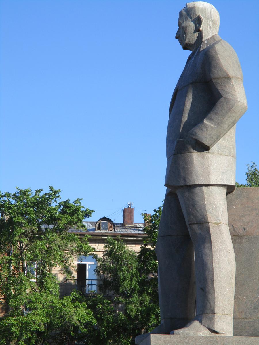 June 8, 2019. Monument to Kuusinen in Petrozavodsk