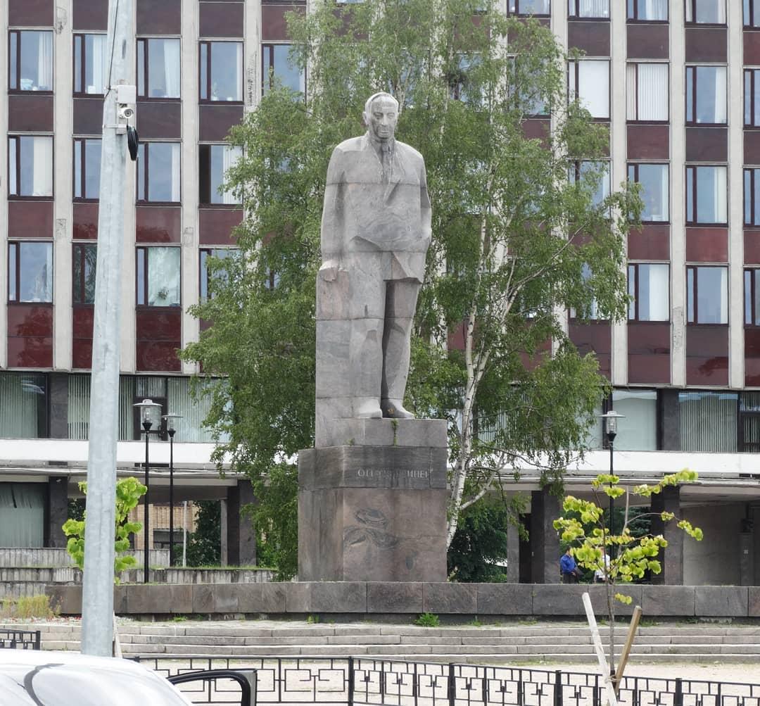 18 июля 2019 года. Памятник Куусинену в Петрозаводске