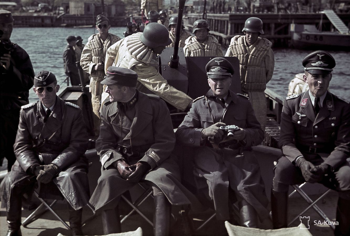 August 10, 1942. Ladoga. German officers