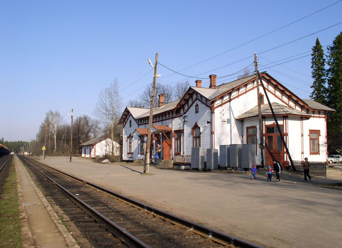 May 3, 2004. Jaakkima Railway Station
