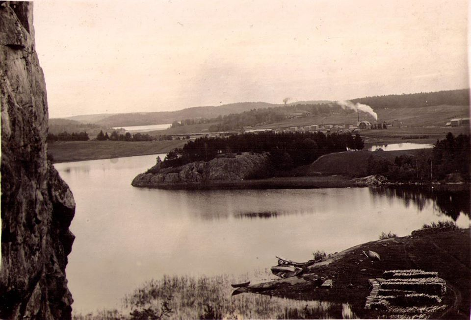 1930's. Sorola, view from Annanriutatta, saw-mill in Annala