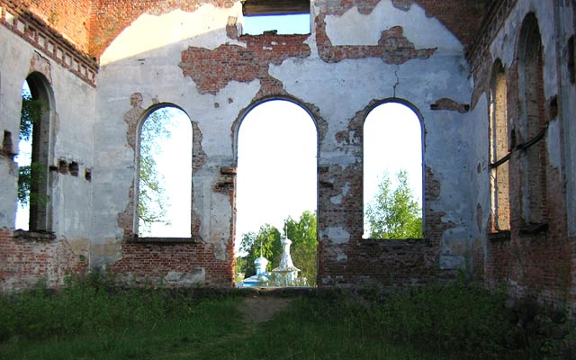 June 2004. Ruins of the church