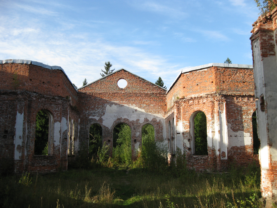 September 2009. Ruins of the church