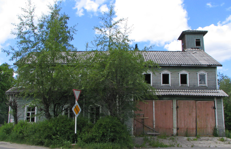 June 8, 2004. Lahdenpohja. Fire station