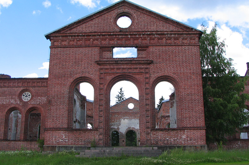 July 8, 2004. Ruins of the church