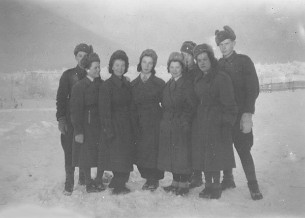 1943. East Karelia. Lotta Vikajärvi third from the left