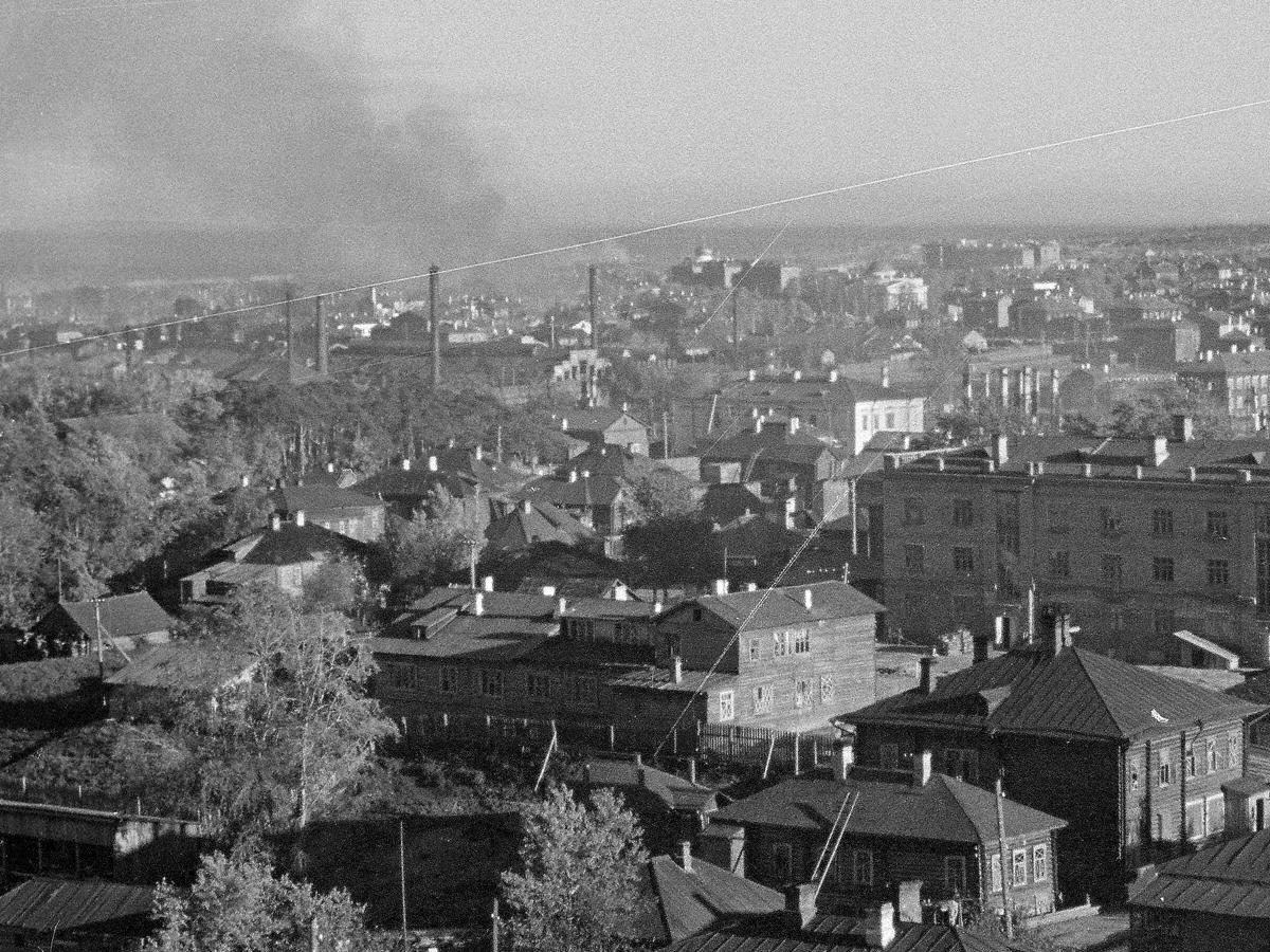 1 октября 1941 года. Петрозаводск. Улица Герцена. Бывшее здание лютеранской церкви