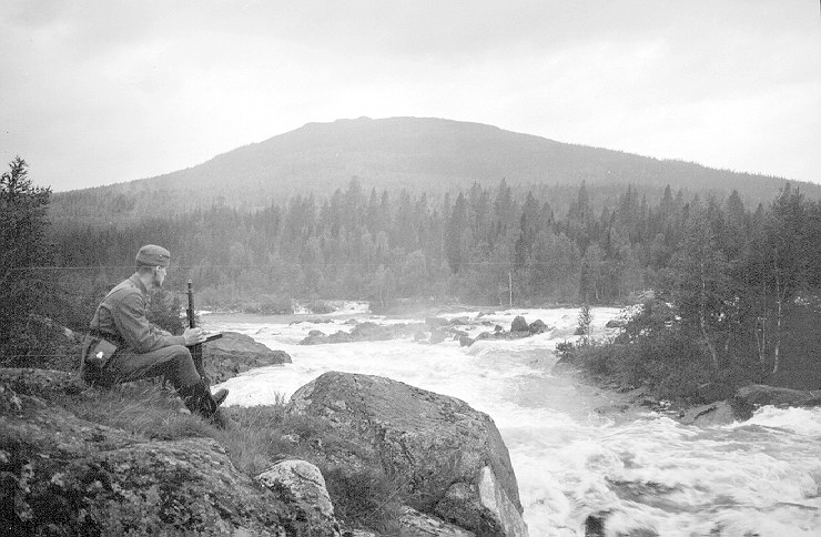 August 20, 1943. Kivakka Rapids