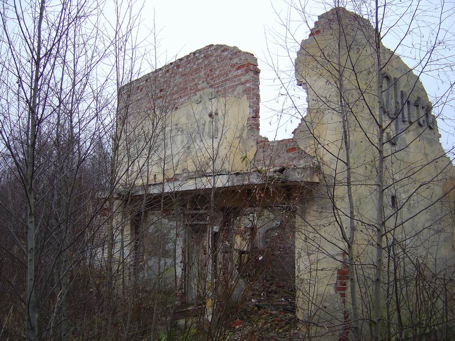 November 9, 2003. Ruins of the Yhteishyvä shop