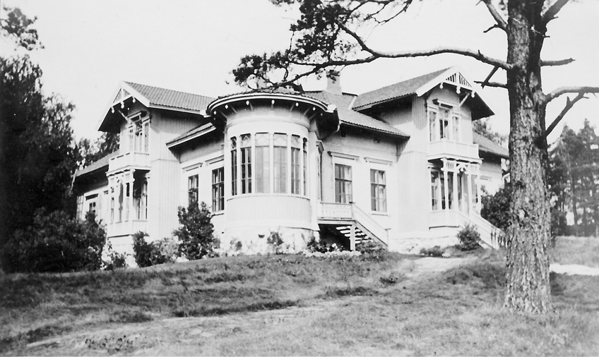 1900's. Build in the 1869 house of district physician N.Beckmann, since 1906 used by East Karelian Folk high school