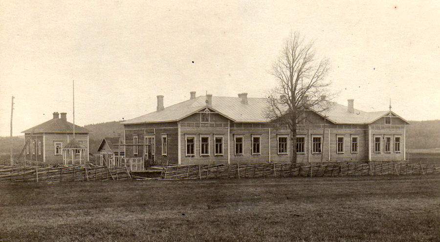 1920's. Kitilä. The Popular School (former barracks)