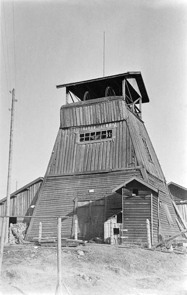 1920's. Maria mine. Old mine tower