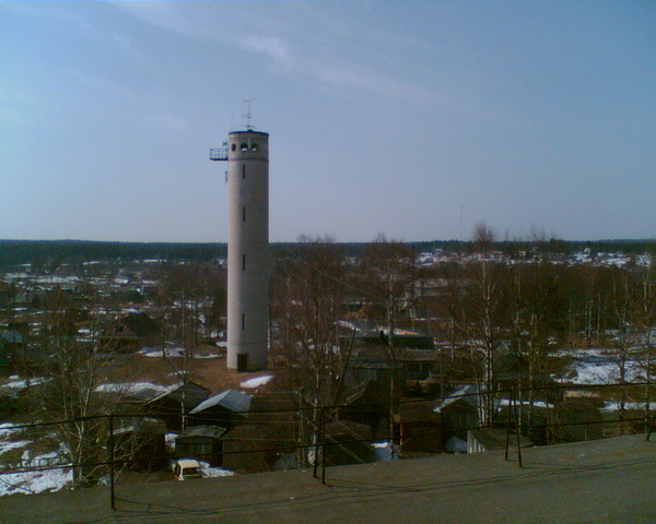 April 2009. Derevjanka station. Water tower