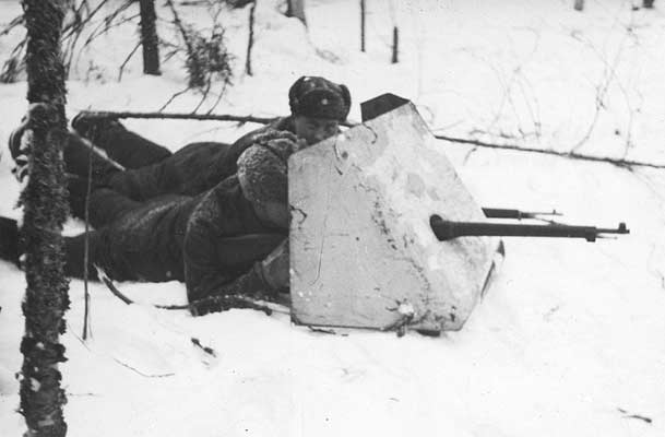 January 1940. Finnish soldiers are testing the Soviet armoured shield