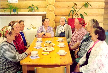 July 2003. Voknavolok village. Interview with local women