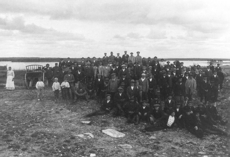 31 августа 1918 года. Реболы. Участники заключительного собрания за присоединение к Финляндии