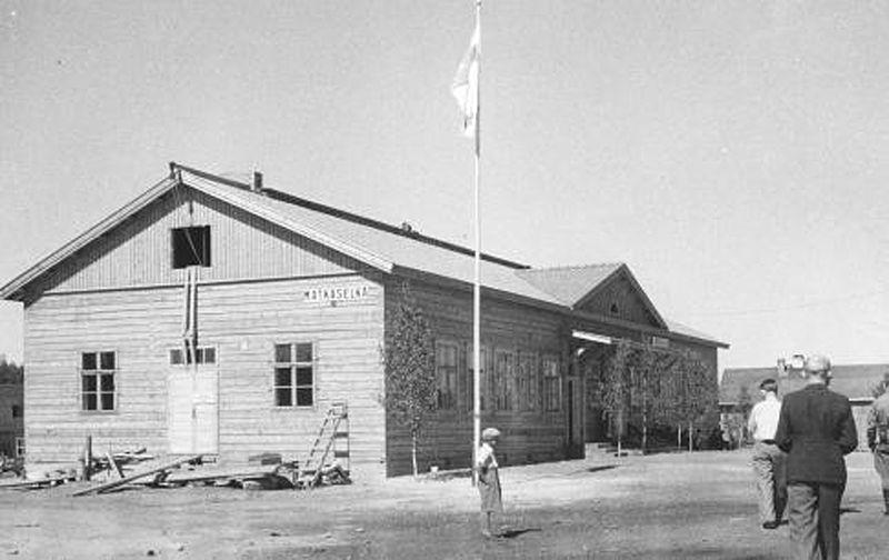 Kesäkuu 1942. Matkaselän rautatieasema