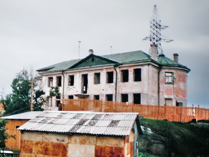 10 июля 1999 года. Соломенное. Бывшая православная церковь