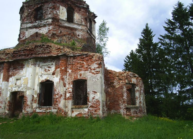 2006. Ruins of the orthodox church