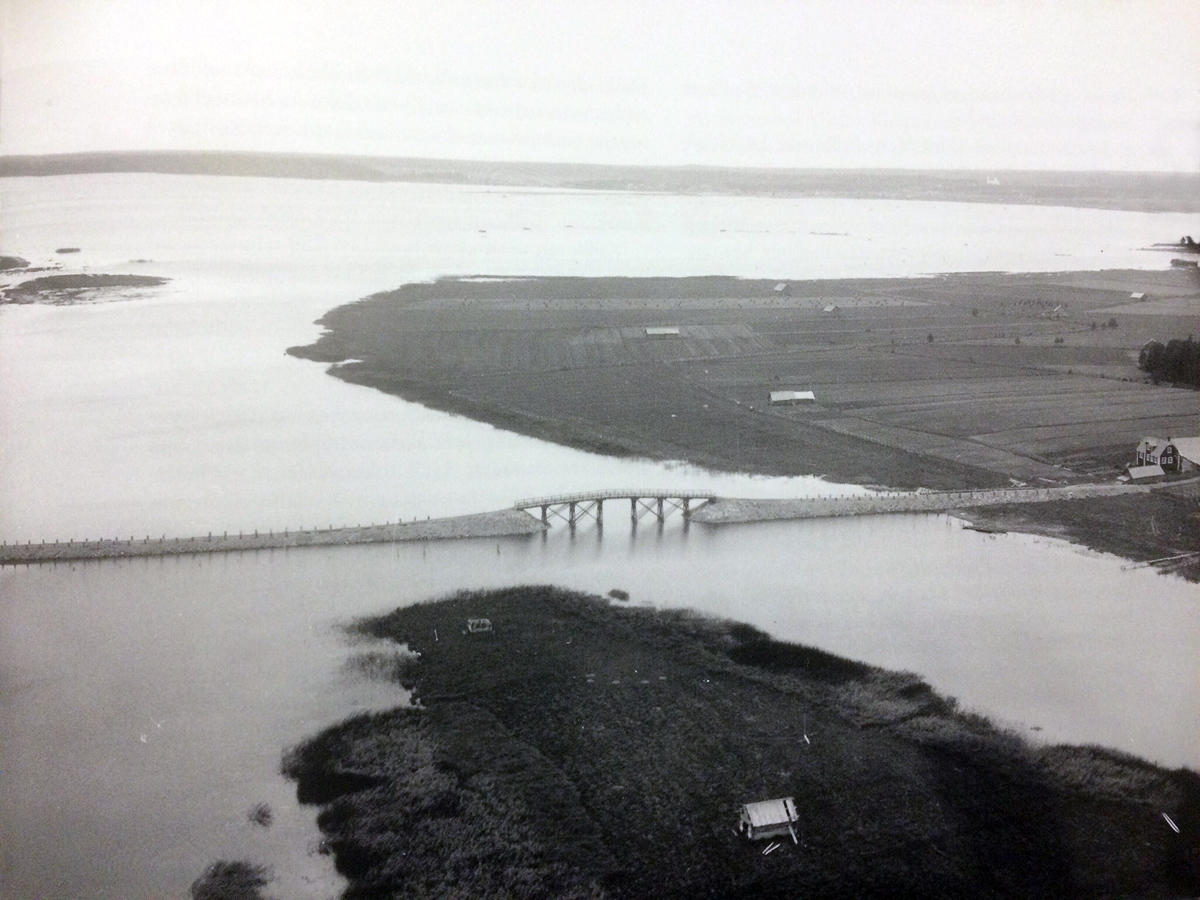 September 2, 1931. The road and the bridge between the mainland and the Lunkulansaari Island