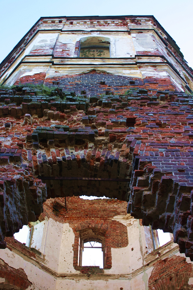 2010. Ruins of the orthodox church