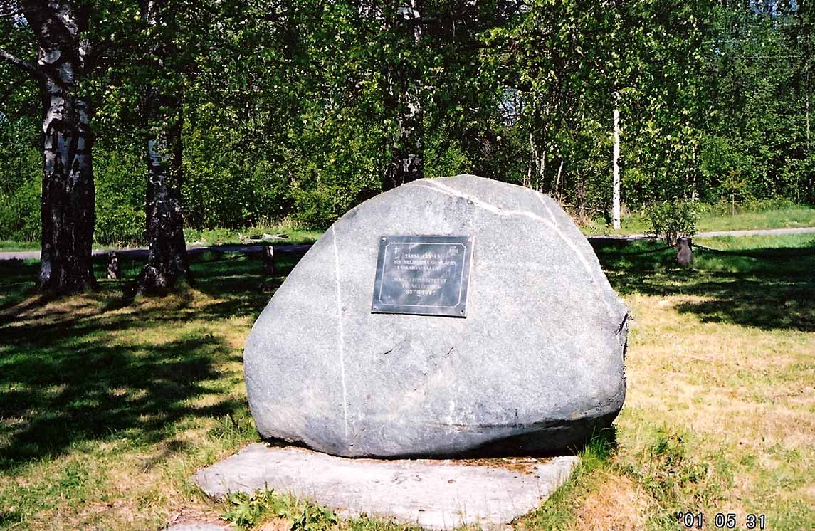 May 31, 2001. Salmi. Place, where was cemetery of heros