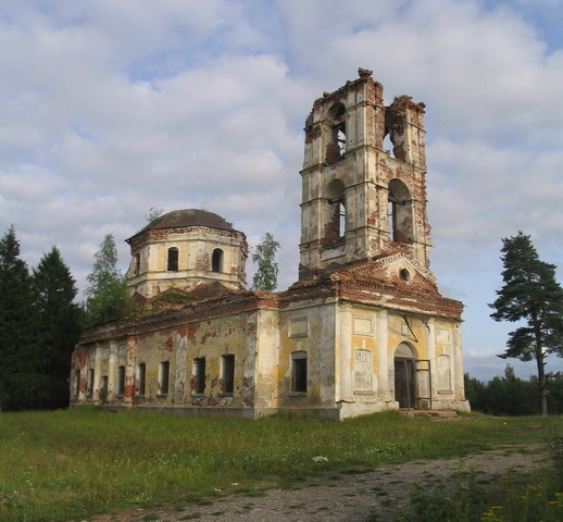 July 2006. Ruins of the orthodox church
