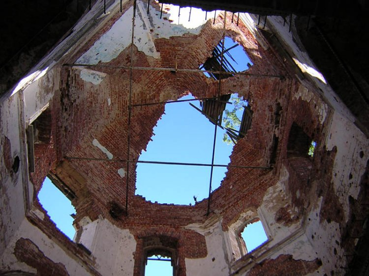 July 23, 2006. Ruins of the orthodox church