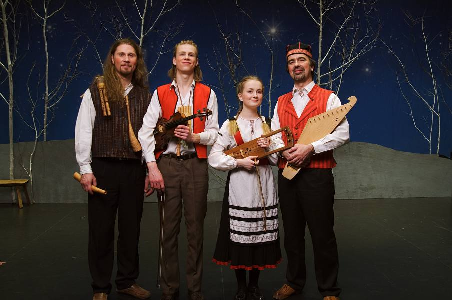 December 2007. After the Christmas Revels show. The show was performed 6 times at the Dartmouh College's theater for over 4000 people. Sattuma played its solo numbers,back-up music for the Kalevala stories and accompanied for dancing. The cast was international with local americans and also swedish, norwegian performers