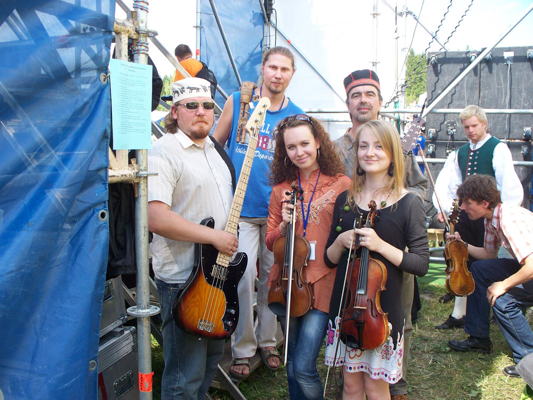August 2, 2009. Before the show at the KAMWA festival with the fiddler Tatyana Yamberdova
