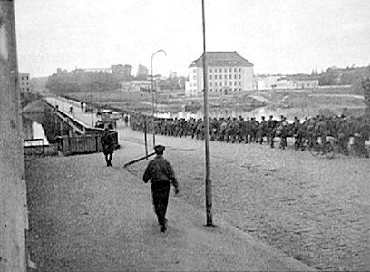 1944. Sortavala. The Karelian bridge. Departing troops