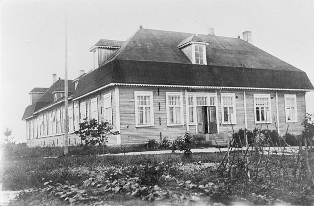 1930's. The college for basic school teachers