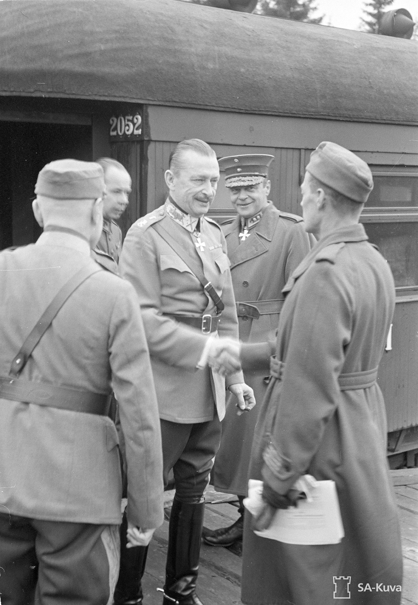 August 9, 1941. Mannerheim in Leppäsyrjä