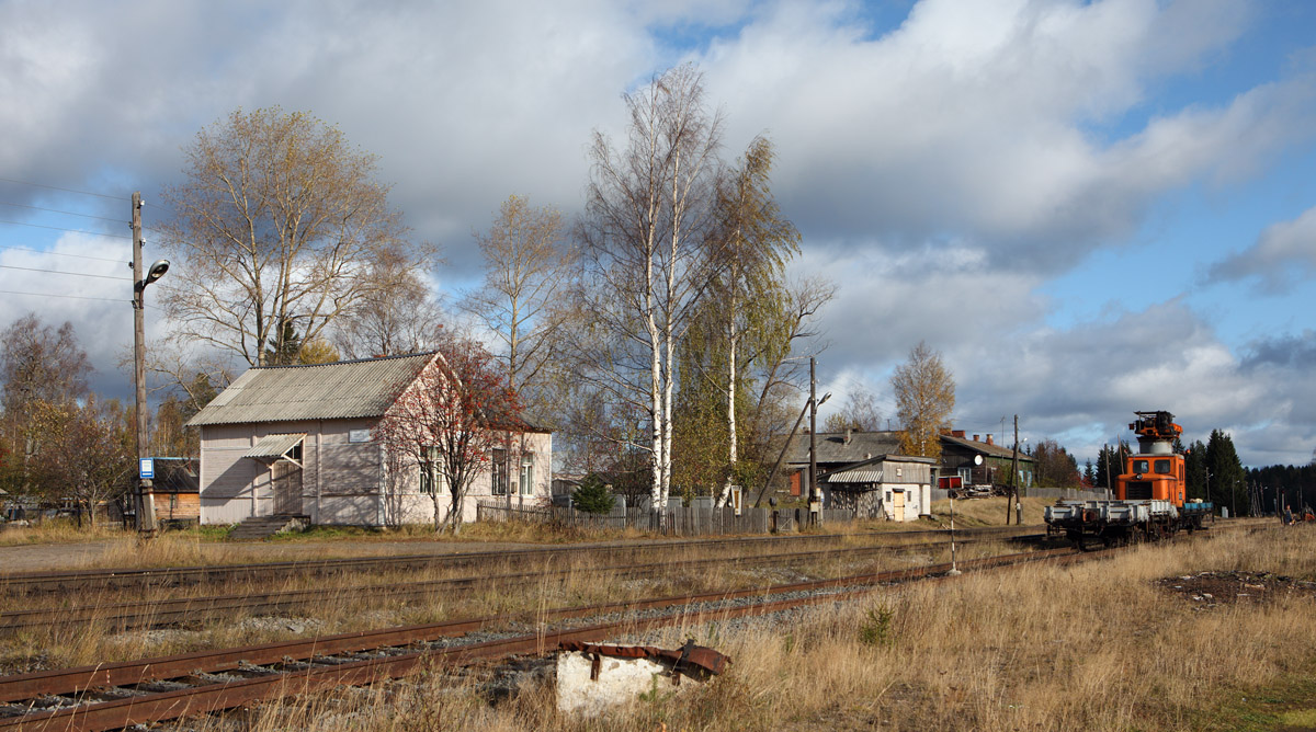 October 10, 2009. Loimola. Railway station