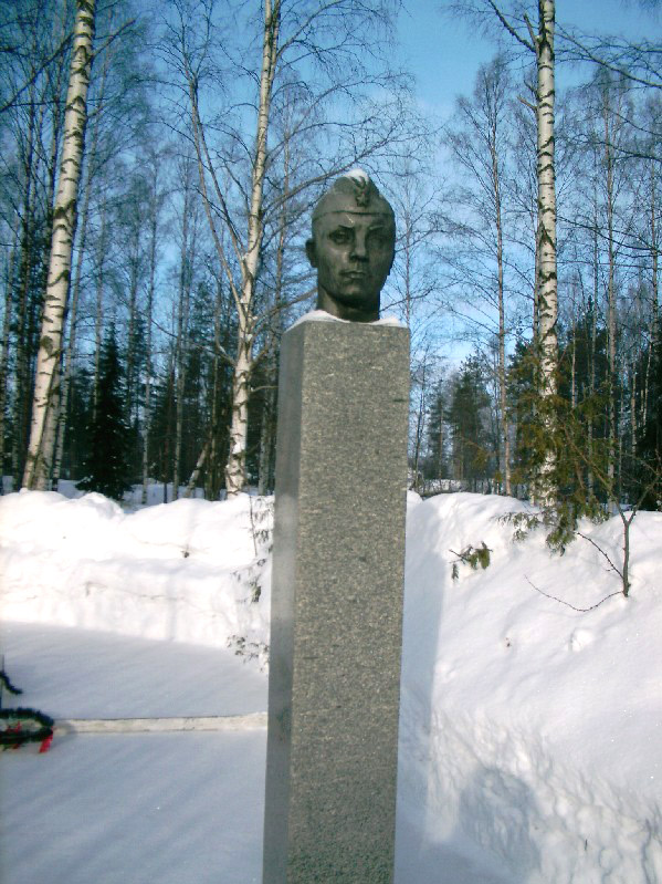 February 26, 2004. Monument to Petr Tikiläinen