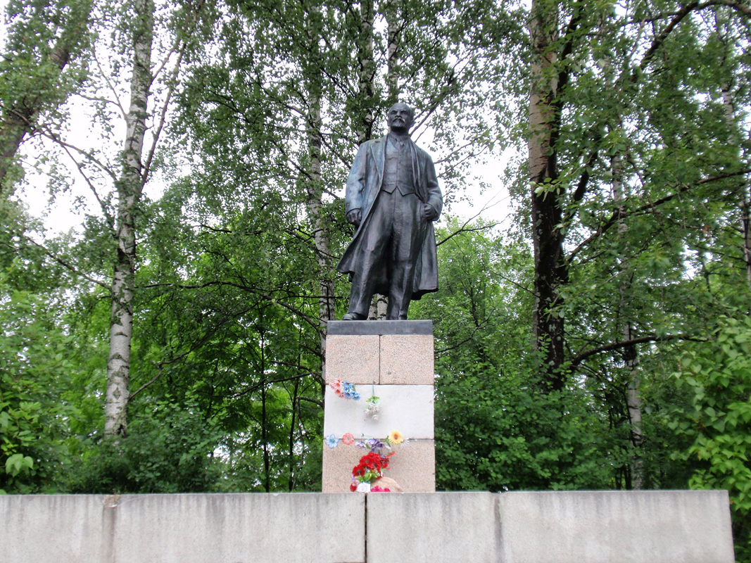 July 9, 2012. Monument to Vladimir Lenin