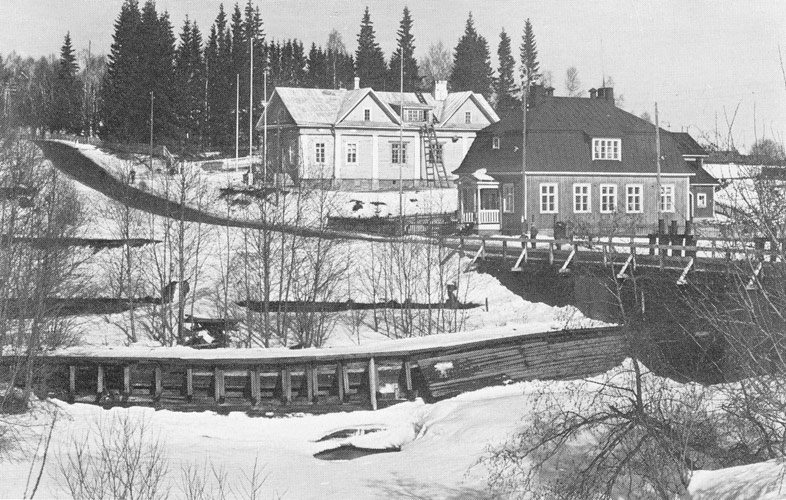 1930's. The Postal bridge, the post house, the parish house and the Doctor's Hill