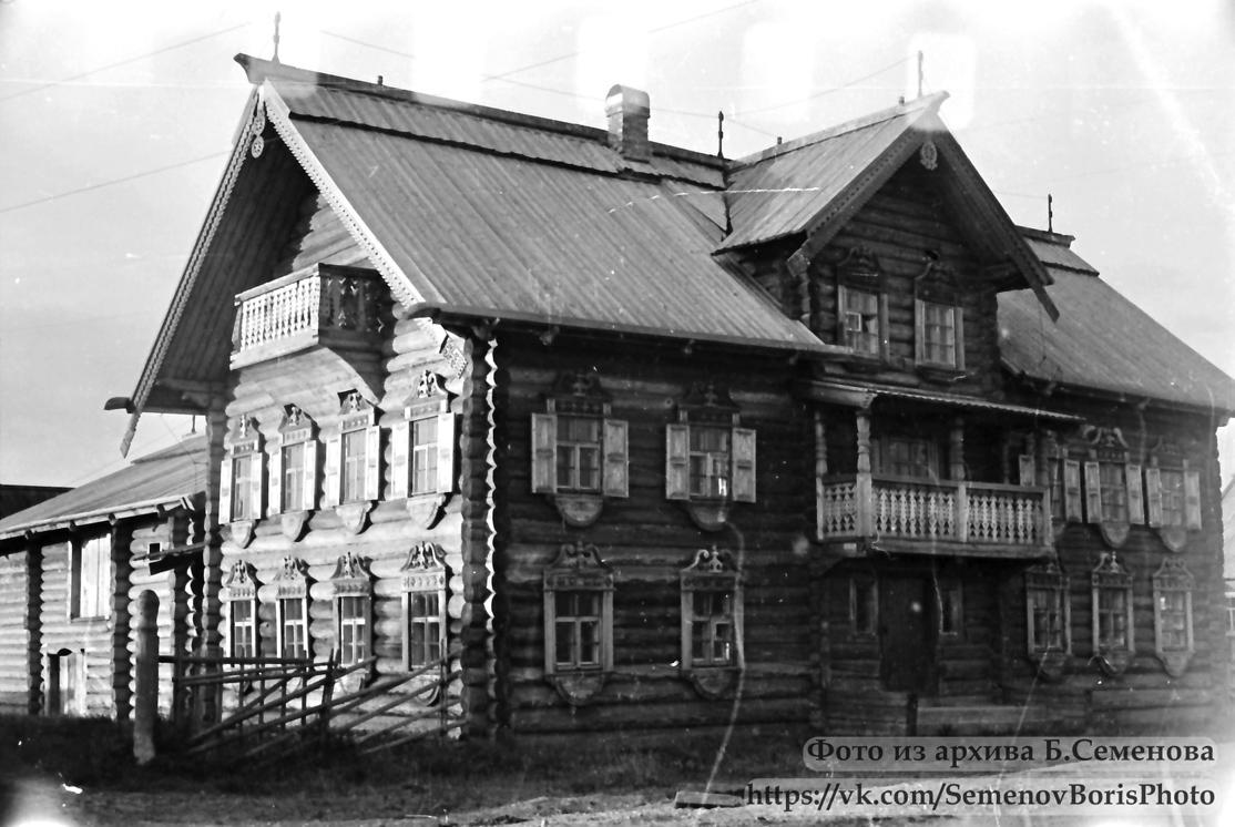 1985. Mel'kin house